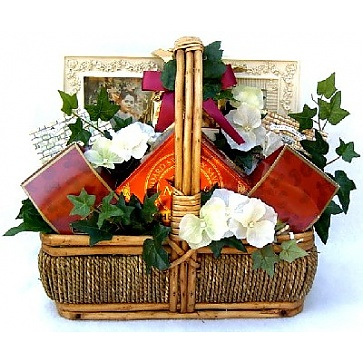 In Sympathy Gift Basket (Medium)