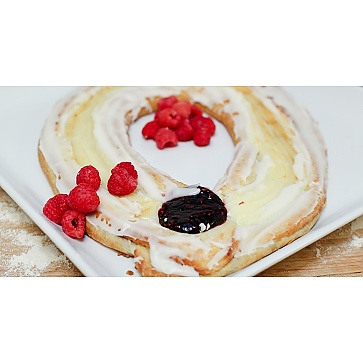 Lane's Bakery Legendary Raspberry Cheese Kringle