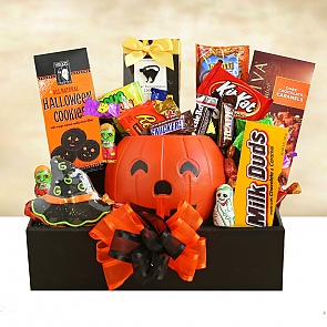 Halloween for the Whole Gang - Halloween for the Whole Gang #HalloweenGiftBasket
