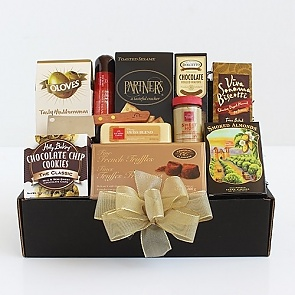 Classic Gourmet Salami & Cheese Gift Basket - Classic Gourmet Salami & Cheese Gift Basket