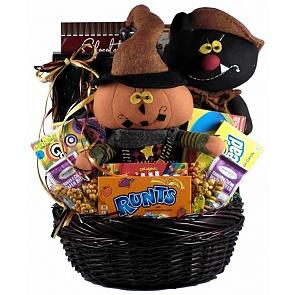 Frightfully Fun Halloween Gift Basket - Frightfully Fun Halloween Gift Basket #HalloweenGiftBasket