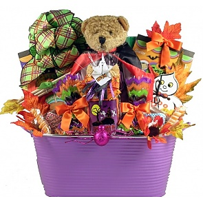 Gobbles of Goodies Halloween Gift Basket - Gobbles of Goodies Halloween Gift Basket #HalloweenGiftBasket