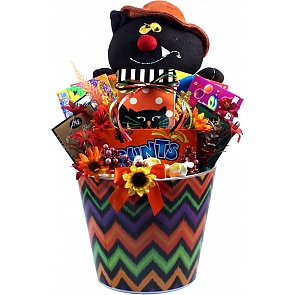 Halloween Party Pail Of Treats - Halloween Party Pail Of Treats #HalloweenGiftBasket