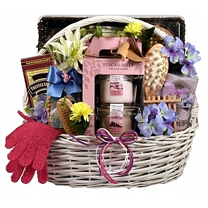 Show her the Royal Treatment with this luxury spa gift basket - Spa Gift Baskets for Women